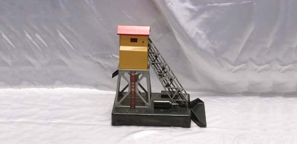 0211: Lionel Accessory 97 postwar coal elevator (no con