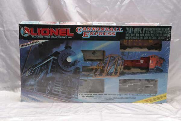 1069: Lionel Train Set 11762 Cotter True Value Hardware