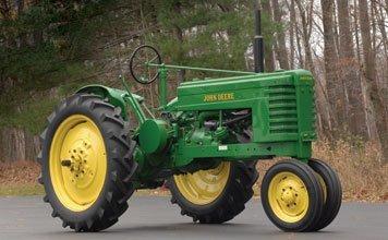 210: 210-1945 John Deere Model H Tractor
