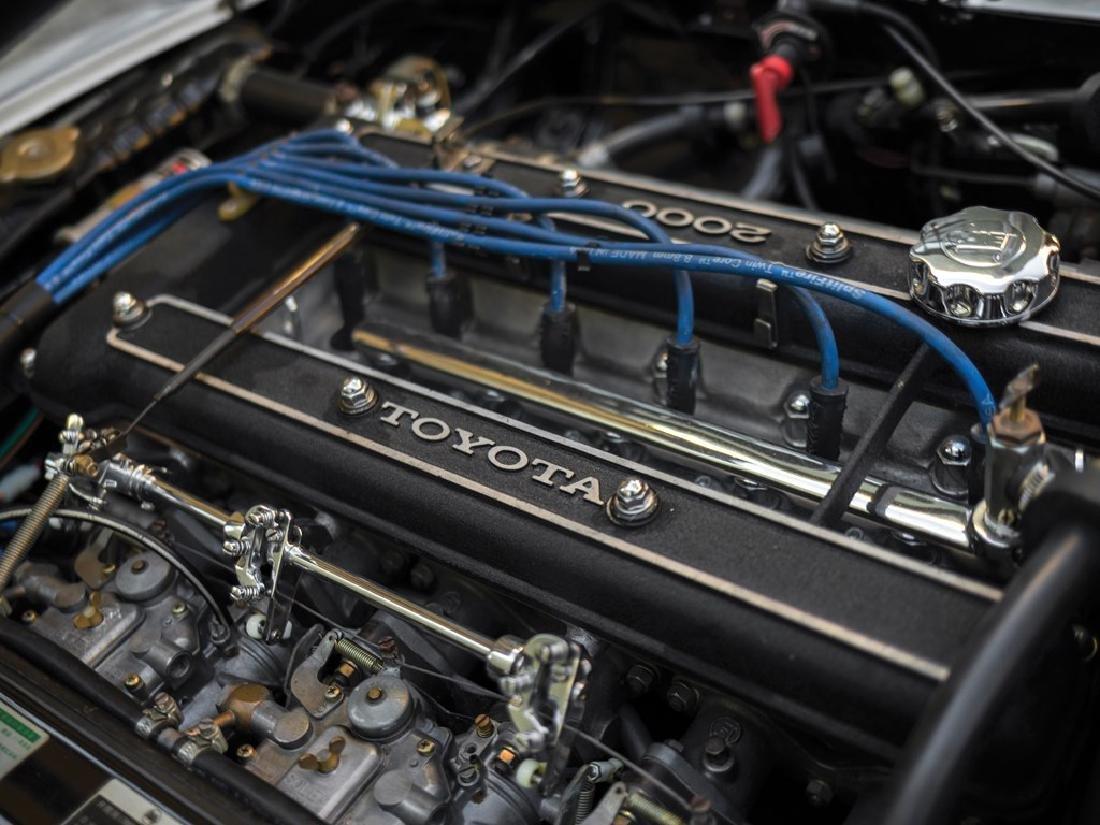1967 Toyota 2000GT - 3
