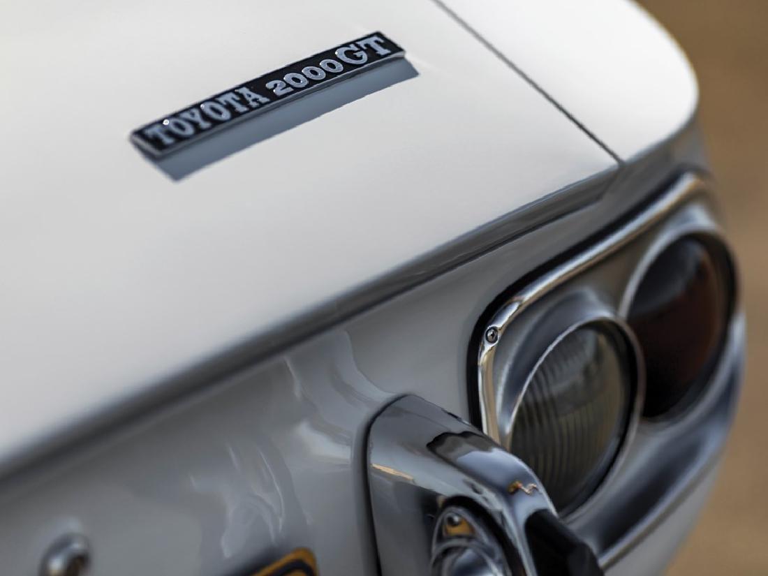 1967 Toyota 2000GT - 6