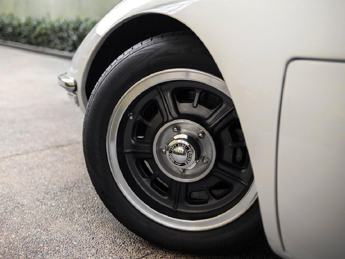 1967 Toyota 2000GT - 7