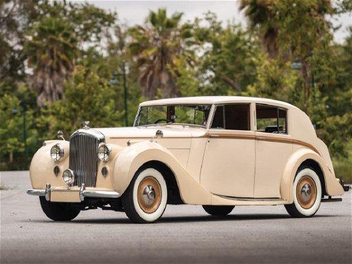 1947 Bentley Mark VI Saloon by Freestone & Webb