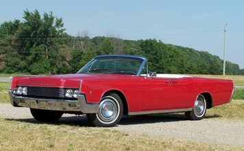 212: 1966 Lincoln Continental Convertible