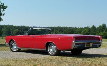 212: 1966 Lincoln Continental Convertible - 2