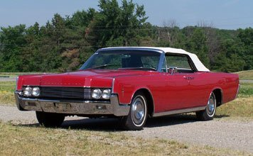 212: 1966 Lincoln Continental Convertible - 7
