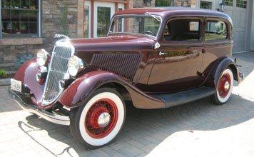 217: 1934 Ford Deluxe Tudor