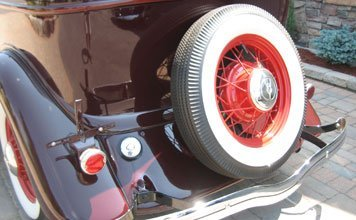 217: 1934 Ford Deluxe Tudor - 4