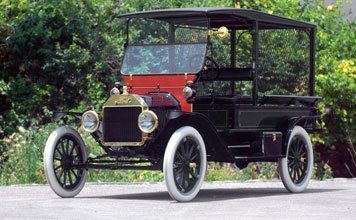 221: 1915 Ford Model T Screen Side Delivery