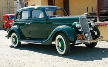 1209: 1935 Ford Model 48 Deluxe Four-Door Sean