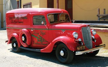 1218: 1935 Ford Motor Company Panel Truck