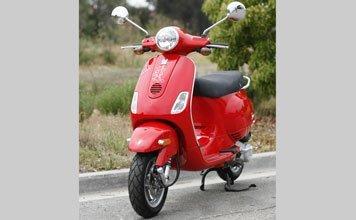 1506: 2007 Vespa LX 50
