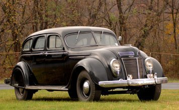 225: 1937 Chrysler  Airflow 8 Sedan