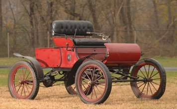 226: 1903 Oldsmobile  Model R Curved-Dash Runabout