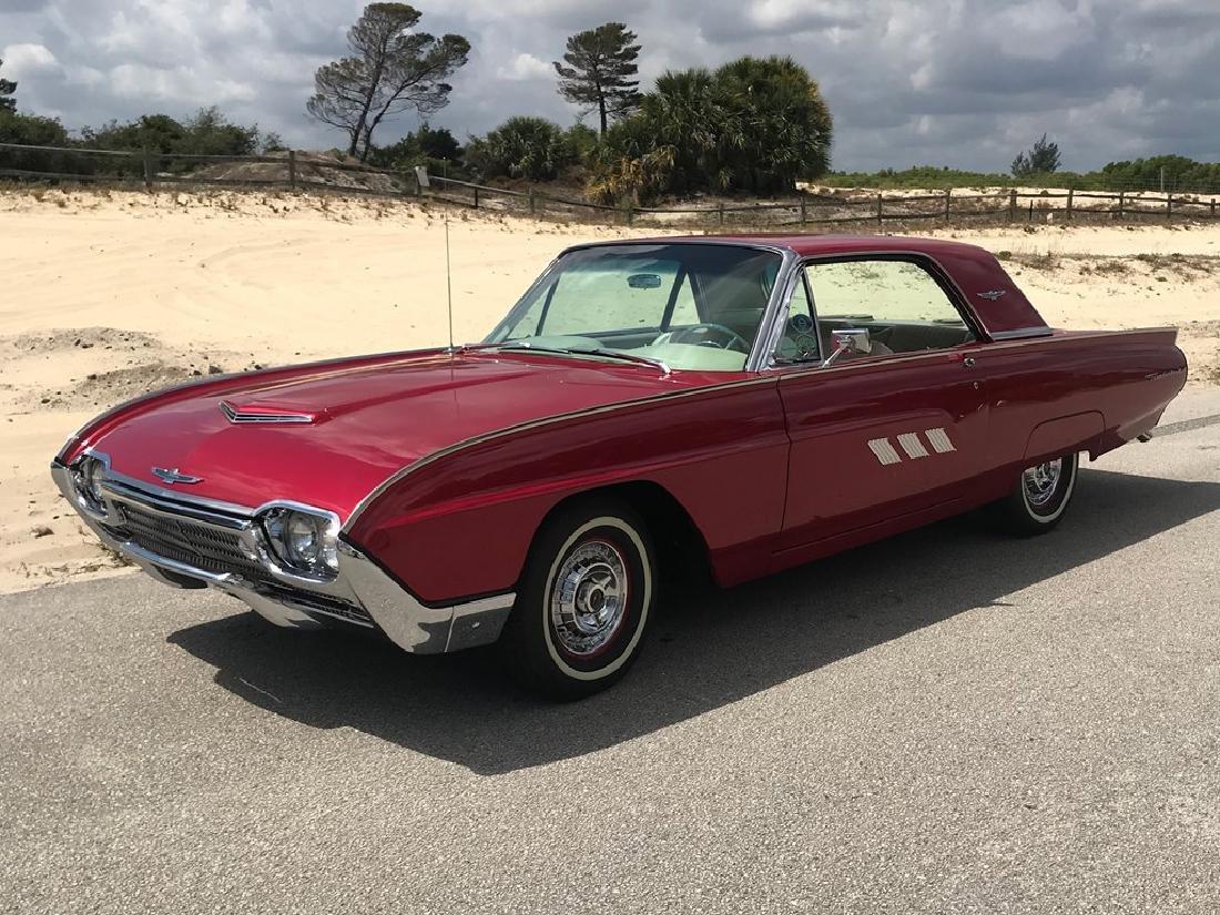 1963 Ford Thunderbird - 10