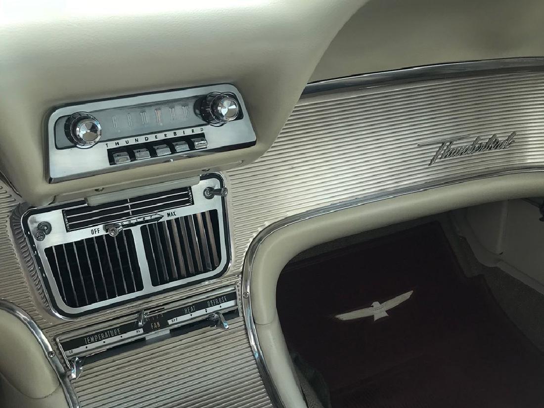 1963 Ford Thunderbird - 9