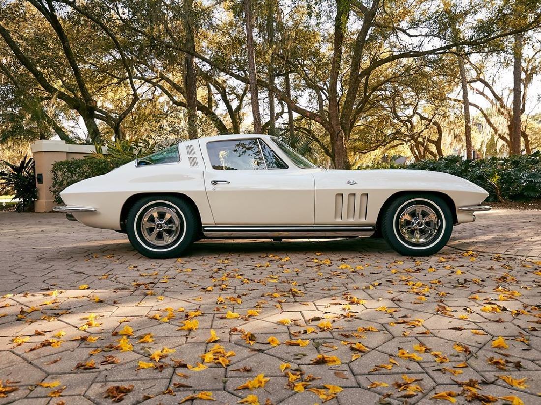 1965 Chevrolet Corvette Sting Ray Coupe - 5