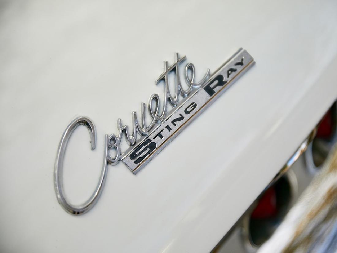 1965 Chevrolet Corvette Sting Ray Coupe - 6