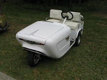 715A:  Cushman 3-Wheel Golfster