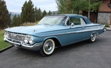123: 1961 Chevrolet Impala Convertible
