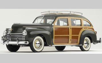 132: 1941 Chrysler Town & Country Barrel Back Estate Wa