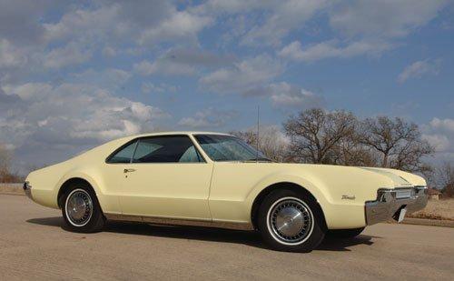 208: 1967 Oldsmobile Toronado
