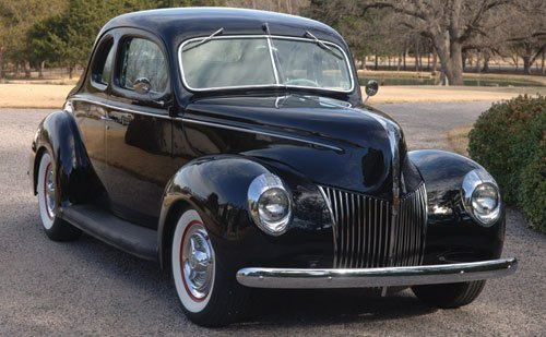 213: 1939 Ford DeLuxe Five-Window Coupe Custom