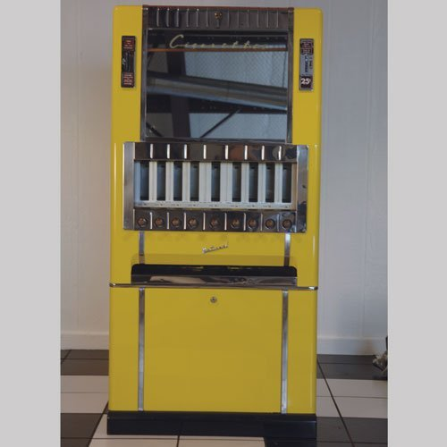 124: National 25 Cent Cigarette Vending Machine