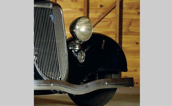 264: 1934 Ford Tudor Sedan - 4
