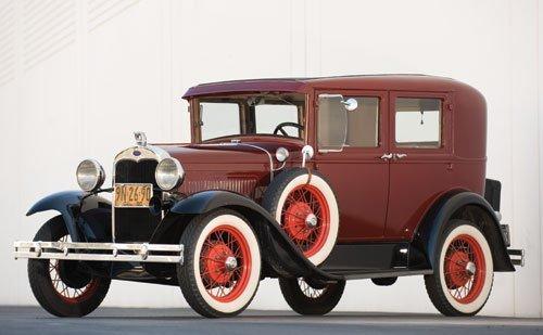 102: 1930 Ford Model A Deluxe Fordor Sedan