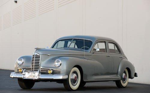 115: 1946 Packard Clipper Sedan
