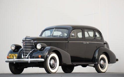 118: 1938 Oldsmobile Six Touring Sedan