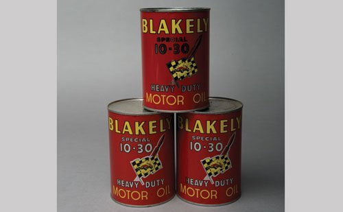108: Blakely Motor Oil Cans