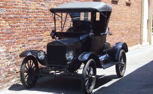 203: 1917 Ford Model T Runabout