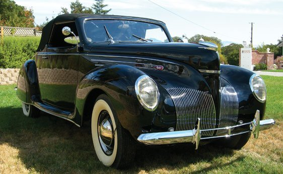 107: 1939 Lincoln Zephyr Convertible Coupe