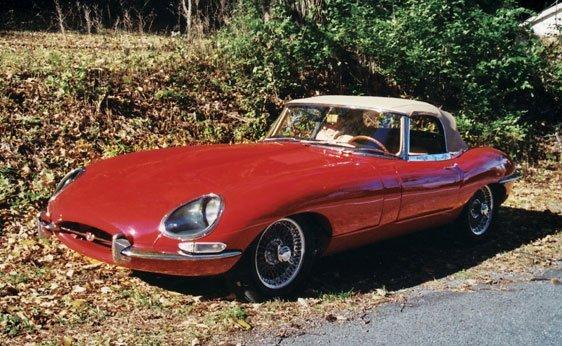 220: 1962 Jaguar E-Type Series I Roadster