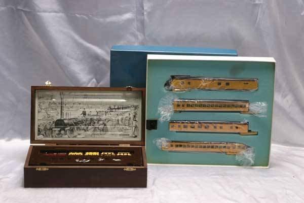 0020: Minitrix/AHM Train Sets Del Adler passenger s