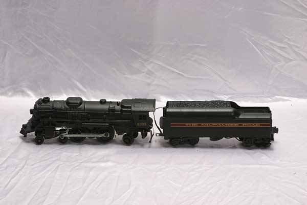 0207: Lionel Locomotive 8305 Milwaukee Road 4-4-2 steam