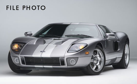 102: 2006 Ford GT