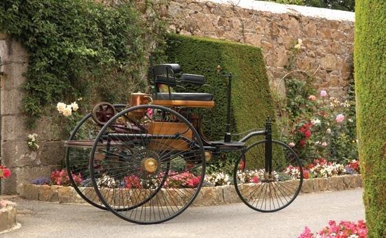 111: 1886 Benz Patent Motorwagen Replica - 2