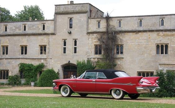 124: 1961 Chrysler Imperial Crown Convertible - 2