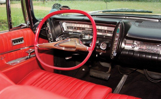 124: 1961 Chrysler Imperial Crown Convertible - 4