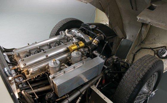153: 1952 Jaguar C-Type - 3