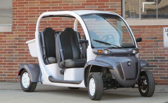 201: 2005 GEM E4 LSV Electric Car
