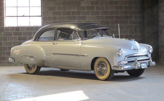 211: 1952 Chevrolet Styleline Deluxe Two-Door Sedan