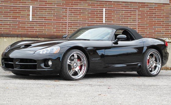 212: 2005 Dodge Viper