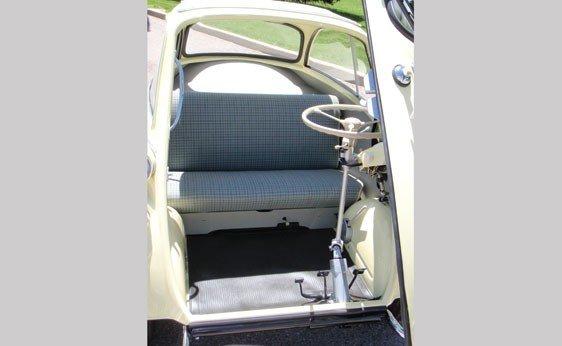 112: 1957 BMW Isetta 300 - 3