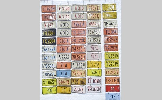 6004: Illinois Truck and Trailer License Plates