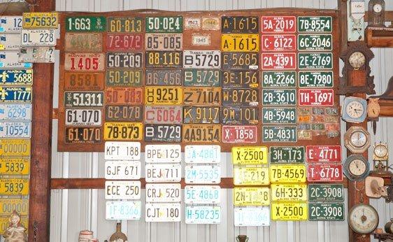6017: Hawaii License Plates