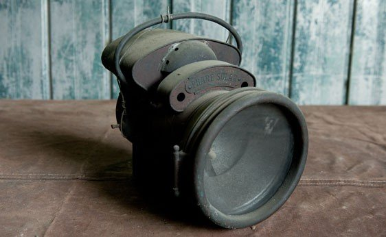 7012: Phare Solar Headlamp
